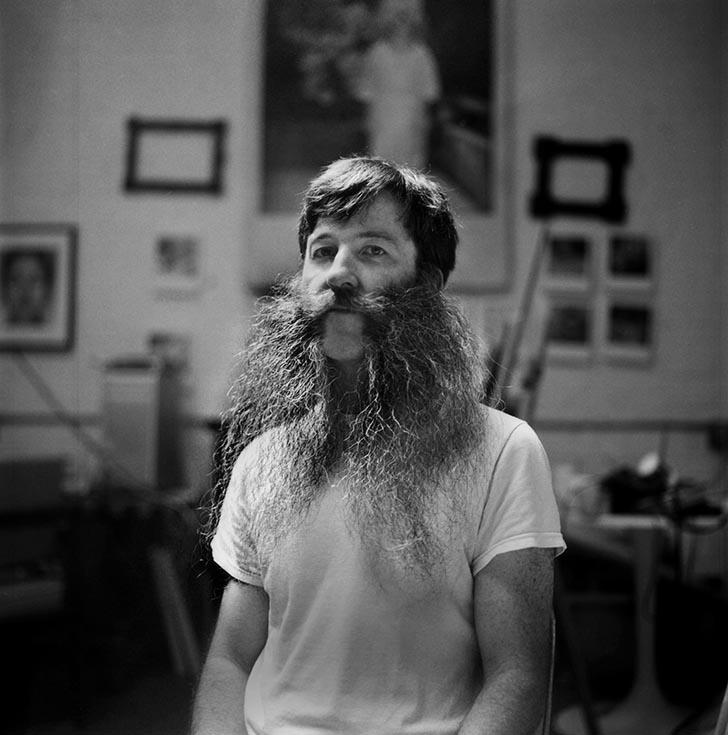 Barbe longue avec huile de ricin